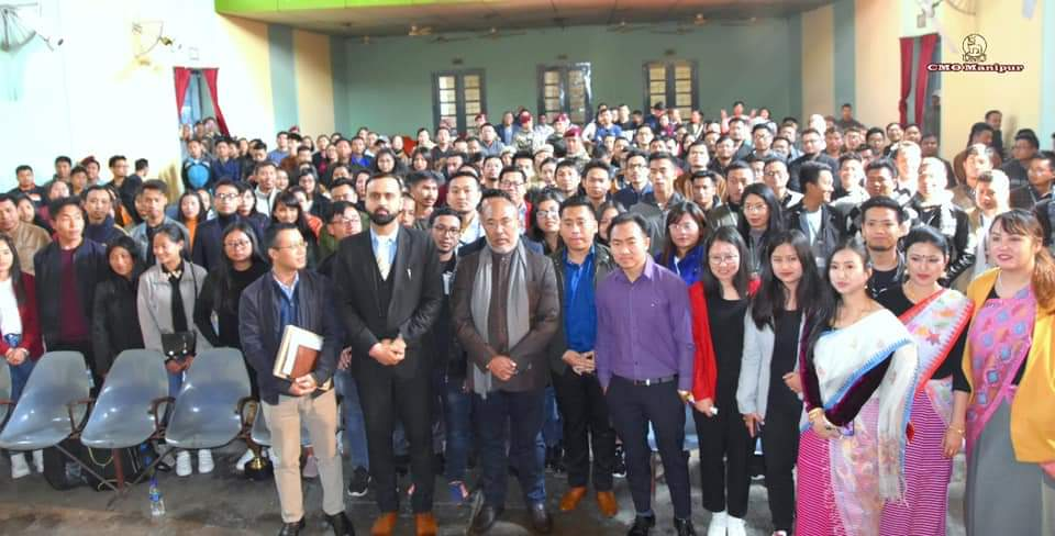 CM interacts with Civil Service aspirants