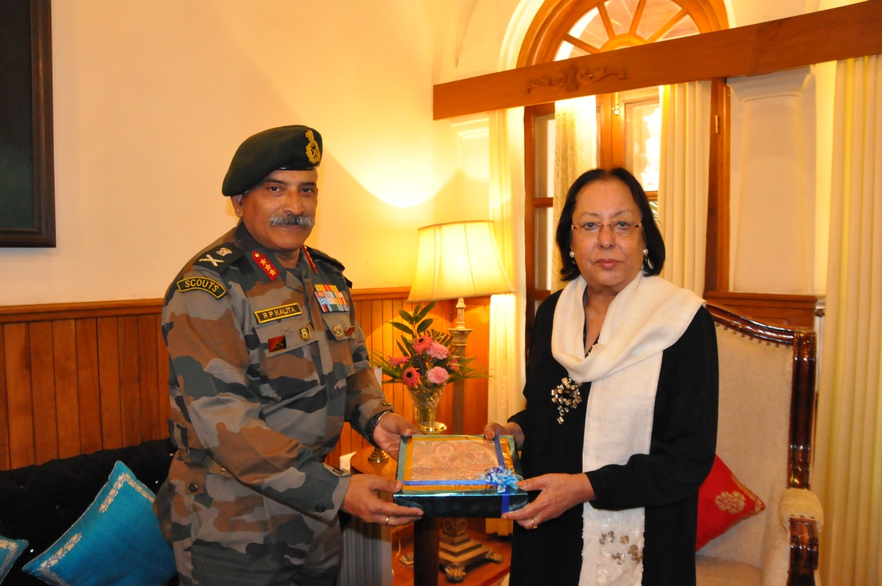 GOC Spear Corps visits Manipur, meets Guv