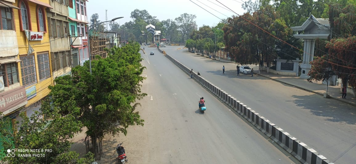 Streets bore deserted look as state responses to 'Janata Curfew', thousands applaud medical professionals