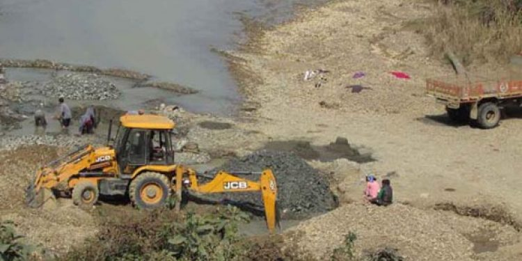 At least 10 arrested for illegal mining of sand and stone at Sekmai River, released on bail