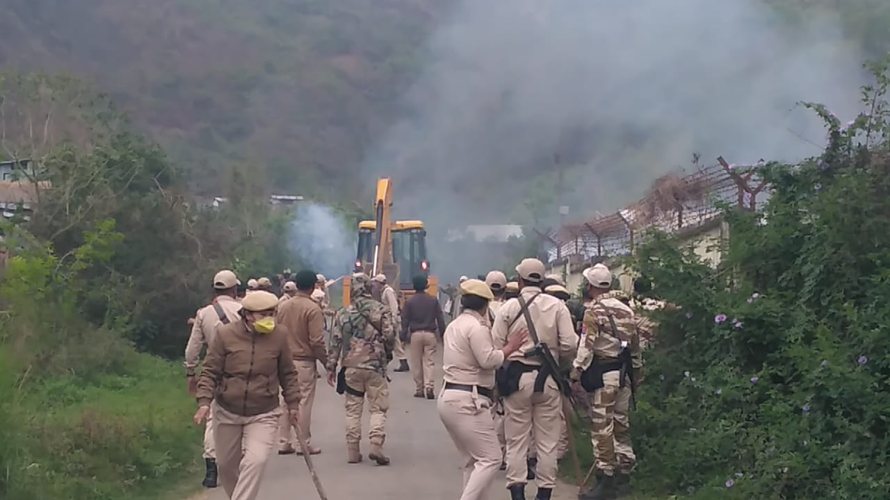 Eviction drive carried out at Mantripukhri; police personnel injured in clash with residents