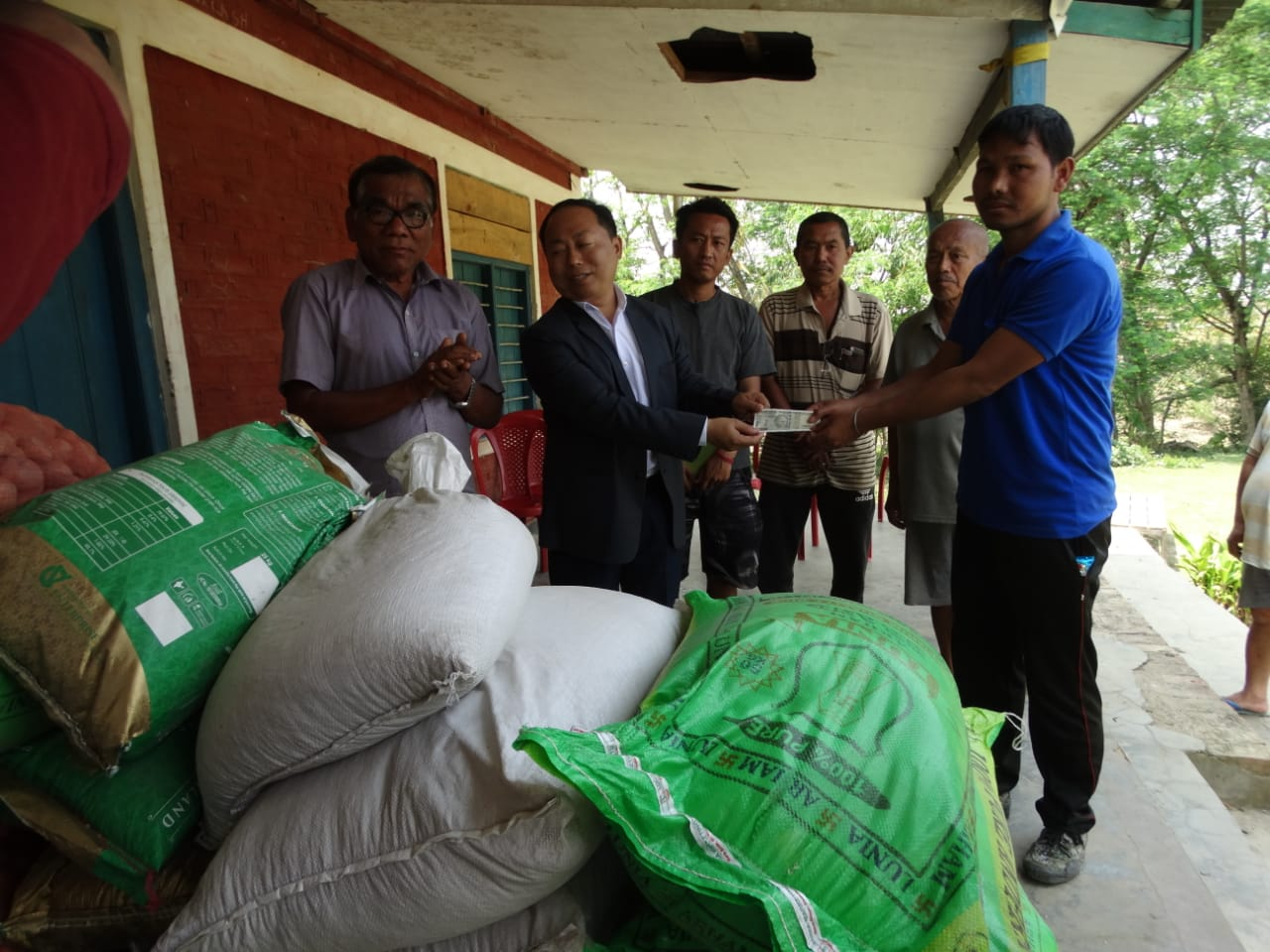 UNACCO group doles out Food Items