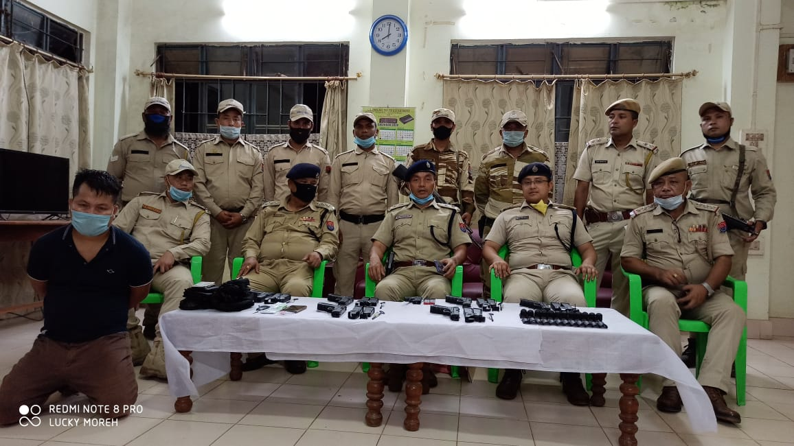 Arms smuggler arrested with huge arms and ammunition