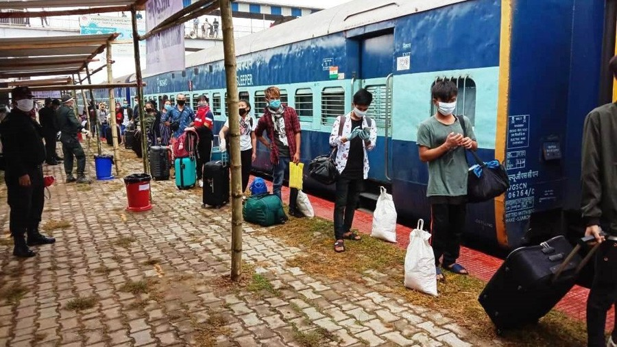 1,818 stranded Manipuris return home in train, flights
