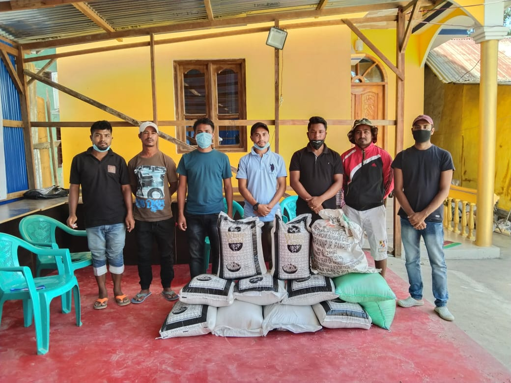 NK Group, TYPA distribute rice bags