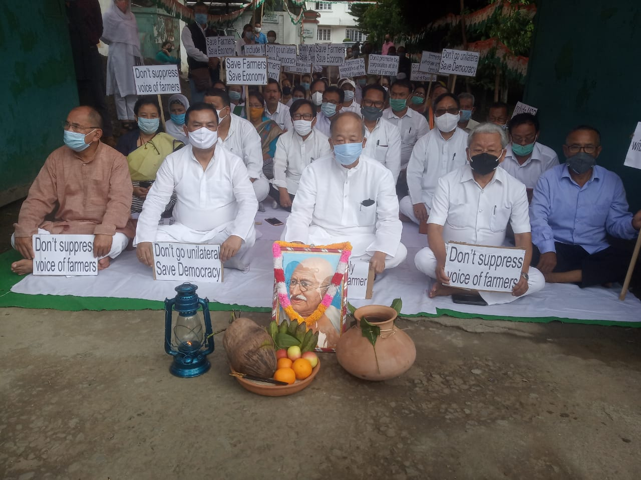 MPCC organizes peaceful sit-in-protest against Farm Bill, calls on all farmers to protest the bill