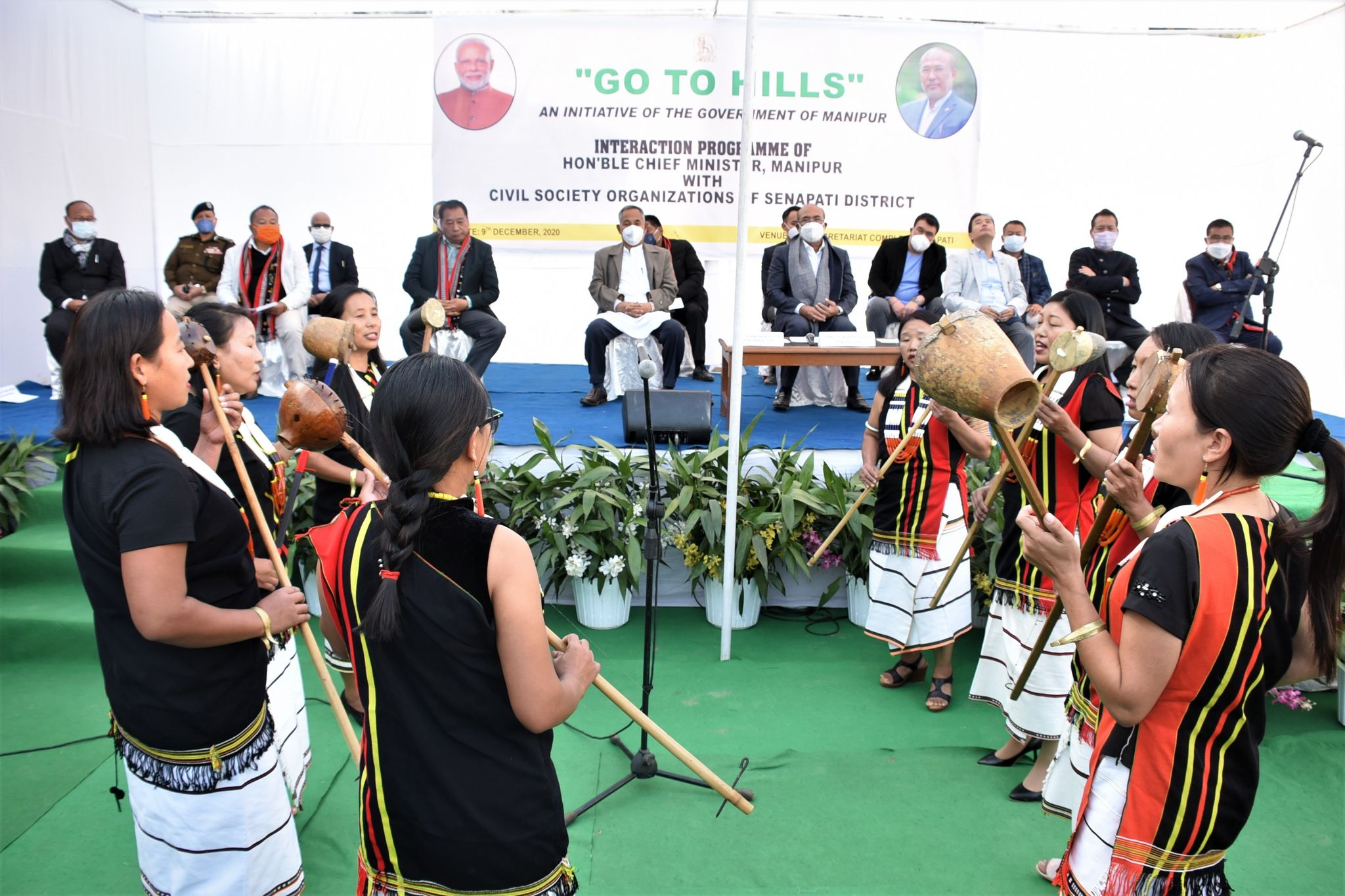 <strong>CM chairs second Cabinet meeting in Senapati, says Mao-Dzuko to be constructed with 3-4 months </strong>