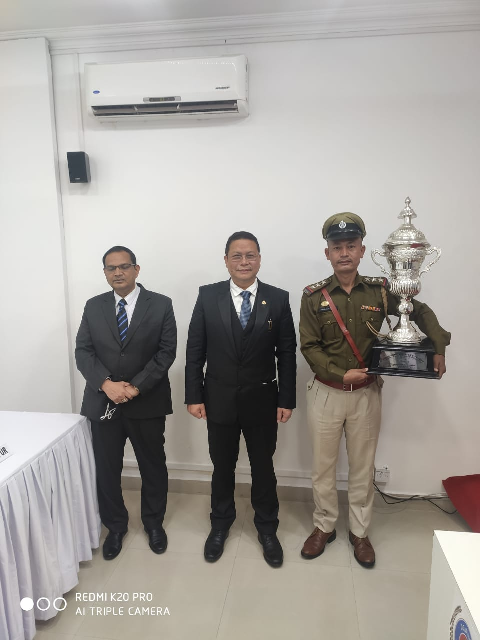 <strong>NongpoK Sekmai Police Station is 'Best Police Station in the Country, 2020'; presented with a trophy </strong>