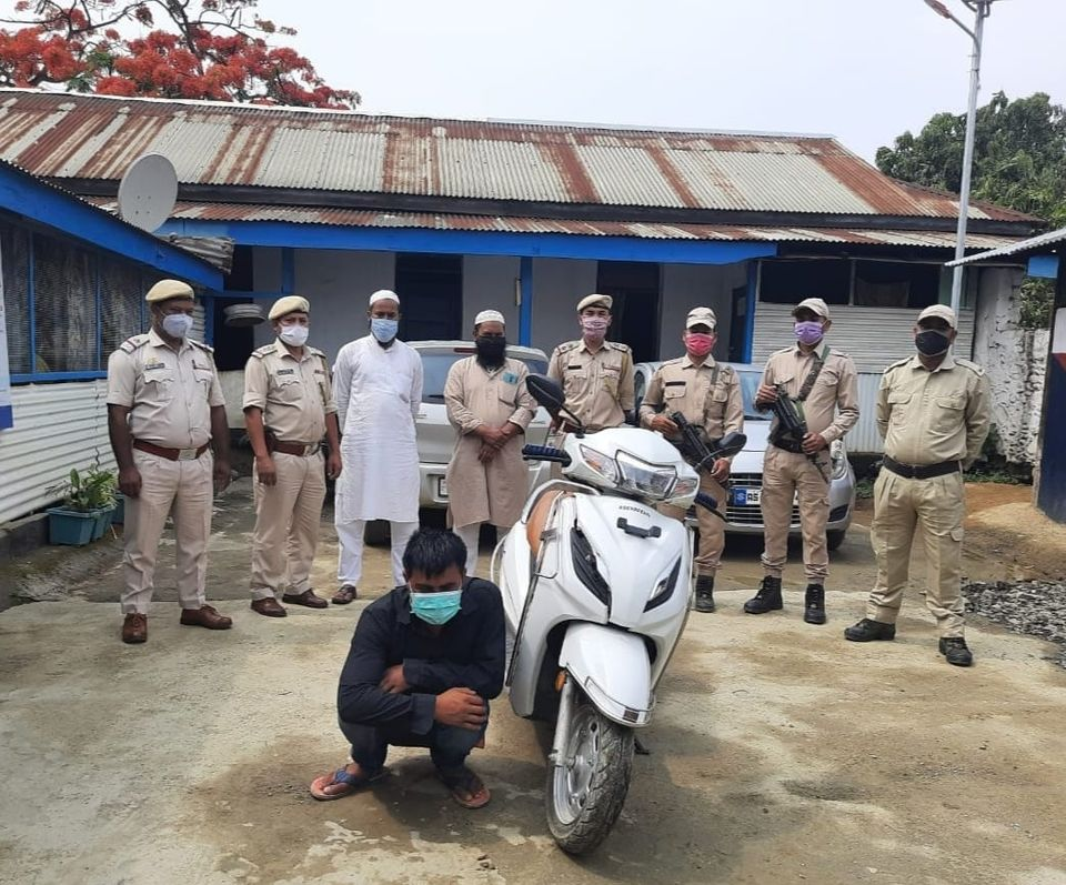 Vehicle lifter carrying Rs 1 lakh bounty held